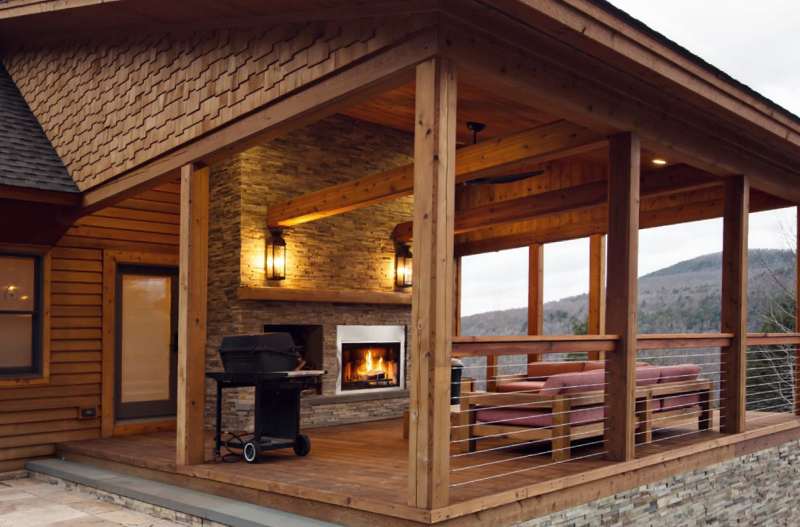 Log home outdoor area
