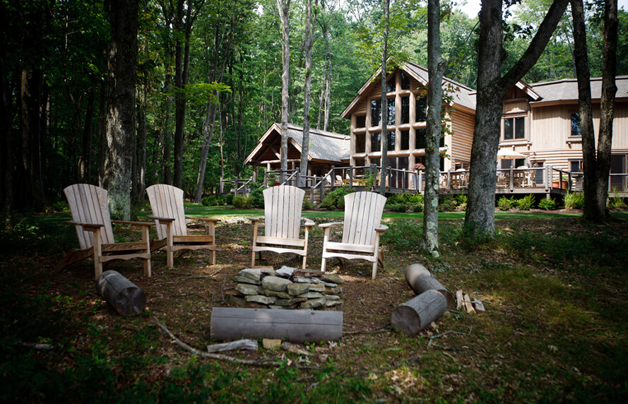 Heron Cove Log Home backyard fire pit