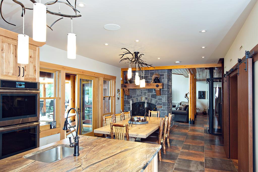 Beaver Mountain Log Homes Kuyahoora Lodge Cedar Hybrid Home Dining Room