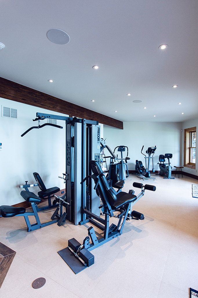 Beaver Mountain Log Homes Kuyahoora Lodge Cedar Hybrid Home Fitness Room