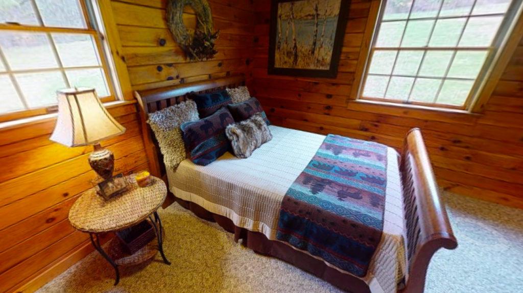 Beaver Mountain Log Homes Classic Lodge Bedroom